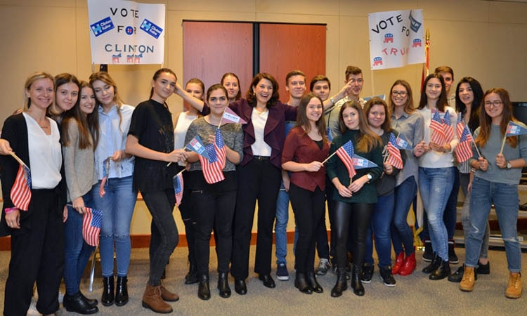 Ambassador Noyes welcomed students from Sesvete High School at the Embassy on November 3. (State Dept.)