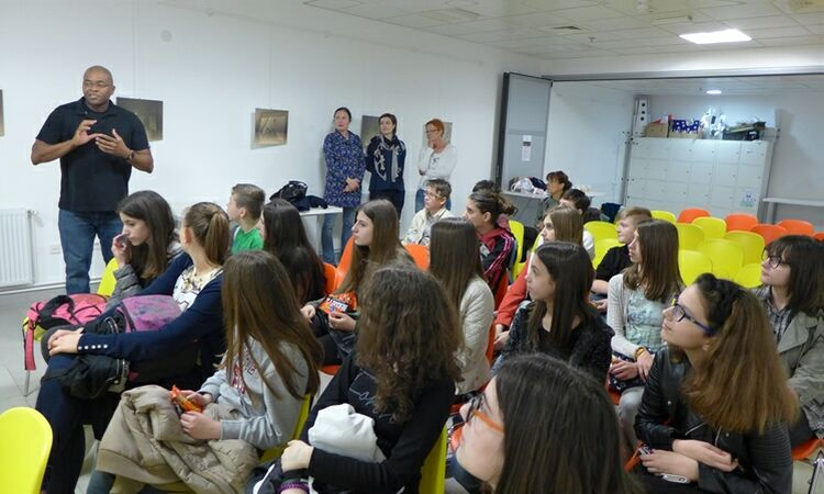 The American Corner Zagreb organized a film viewing at the Public Library Jelkovec [State Dept.]