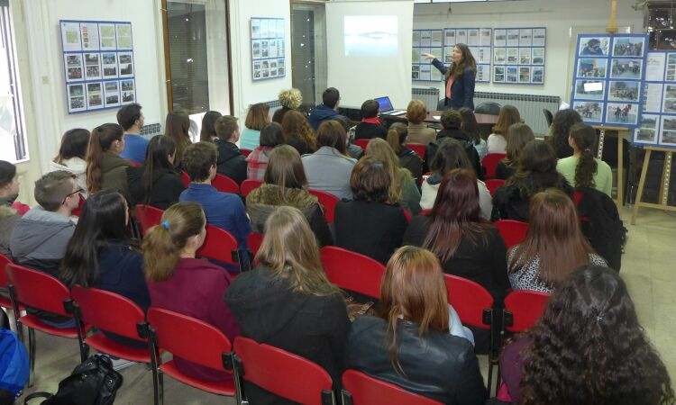 The young people who attended Consular Officer Jessica Jarcev's talk at the Karlovac's Library [State Dept.]