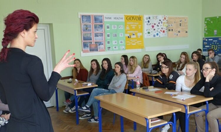 Elizabeta Planinić, presented Ms. Planinić's business success to high school students in Sisak [State Dept.]